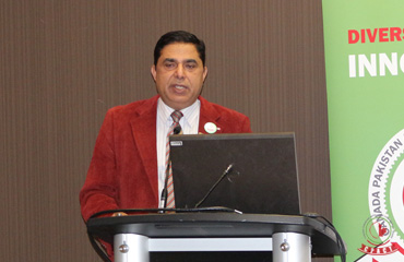 Nasir-Malik-Co-Chairman-Ontario-Giving-speech-on-maintaining-CPACT-as-a-Business-Association